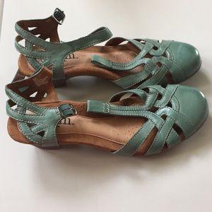 Shoes - Cobb Hill women's sandals, size 8.5 Narrow